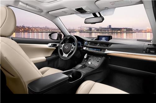Lexus CT 200h interieur