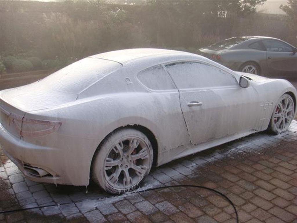 Auto wassen: foamlans