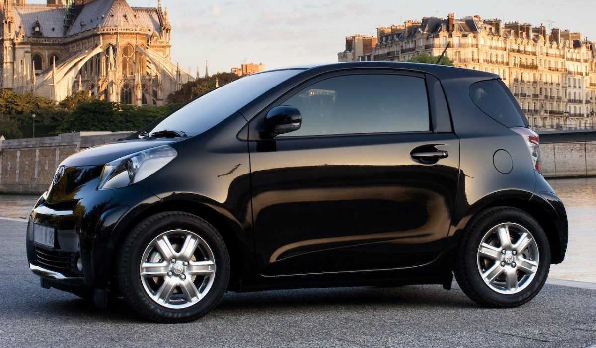 test toyota iq 1 0 vvt i comfort carblogger. Black Bedroom Furniture Sets. Home Design Ideas