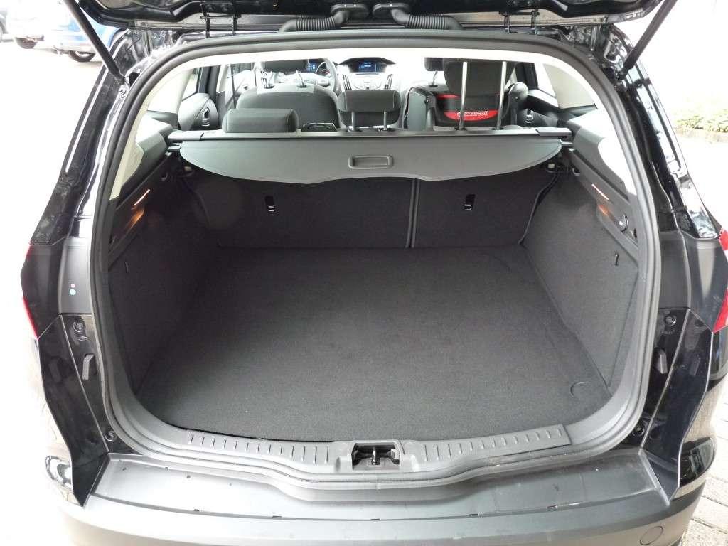 Test Ford Focus Wagon 1.6 (2011)   CARBLOGGER