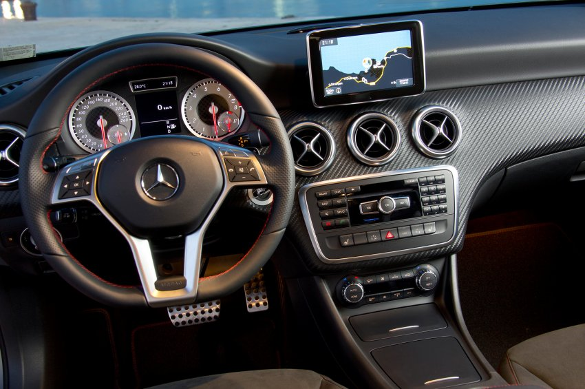 Test mercedes a klasse 2012 2013 for Interieur mercedes c klasse