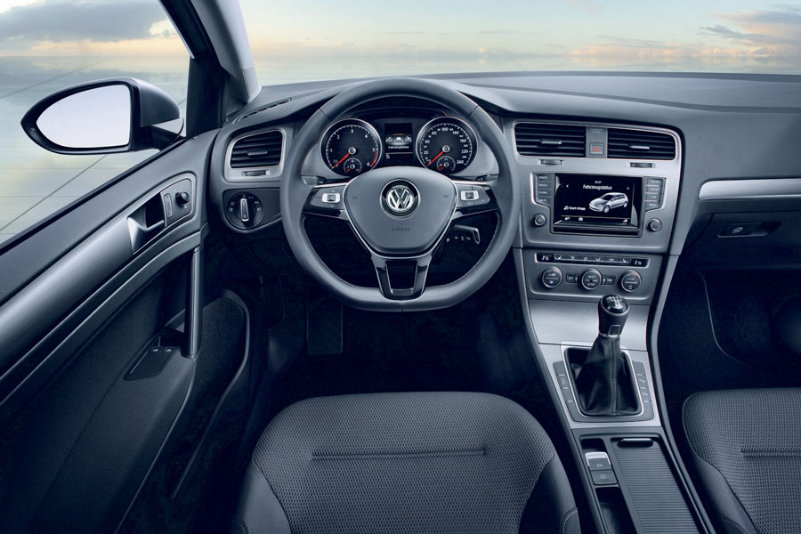 Volkswagen golf 7 bluemotion interieur concept carblogger for Interieur golf