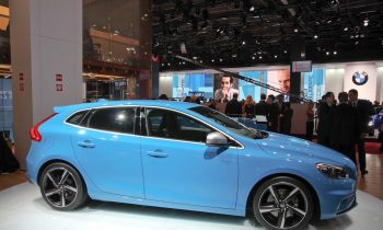 Volvo V40 R-Design live in Parijs 2012