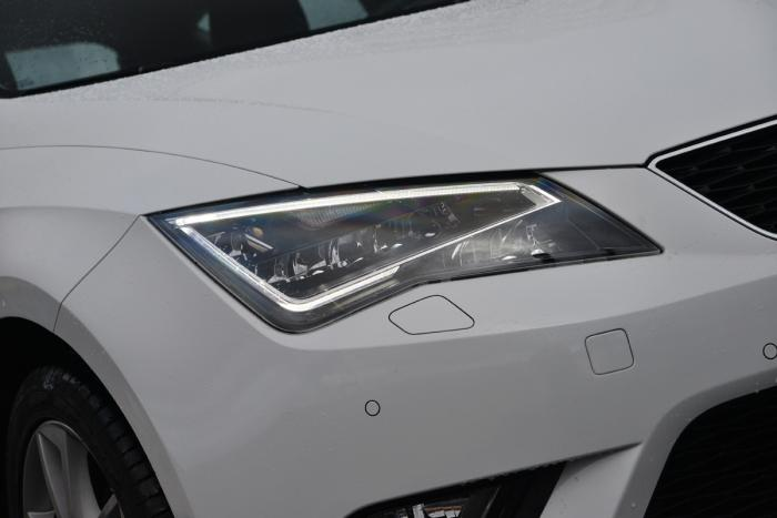 Led koplamp seat leon 2013 1 6 tdi carblogger for Seat leon led verlichting