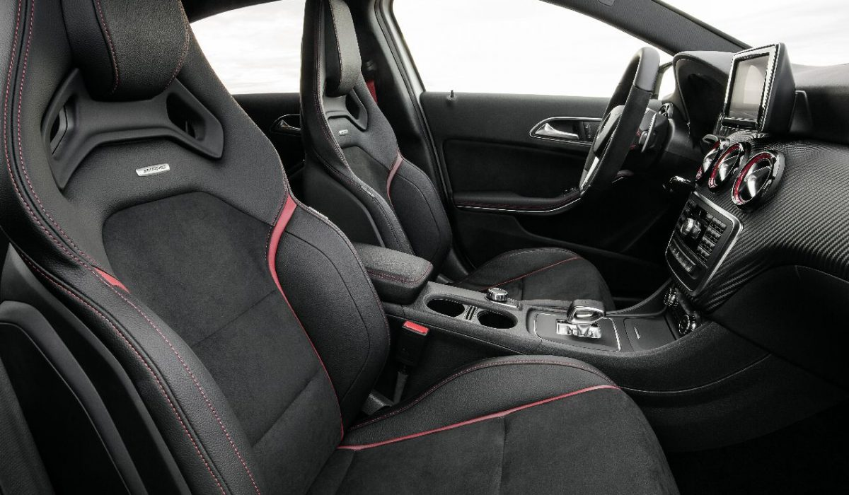 Interieur Mercedes A-Klasse A45 AMG (voorstoelen)