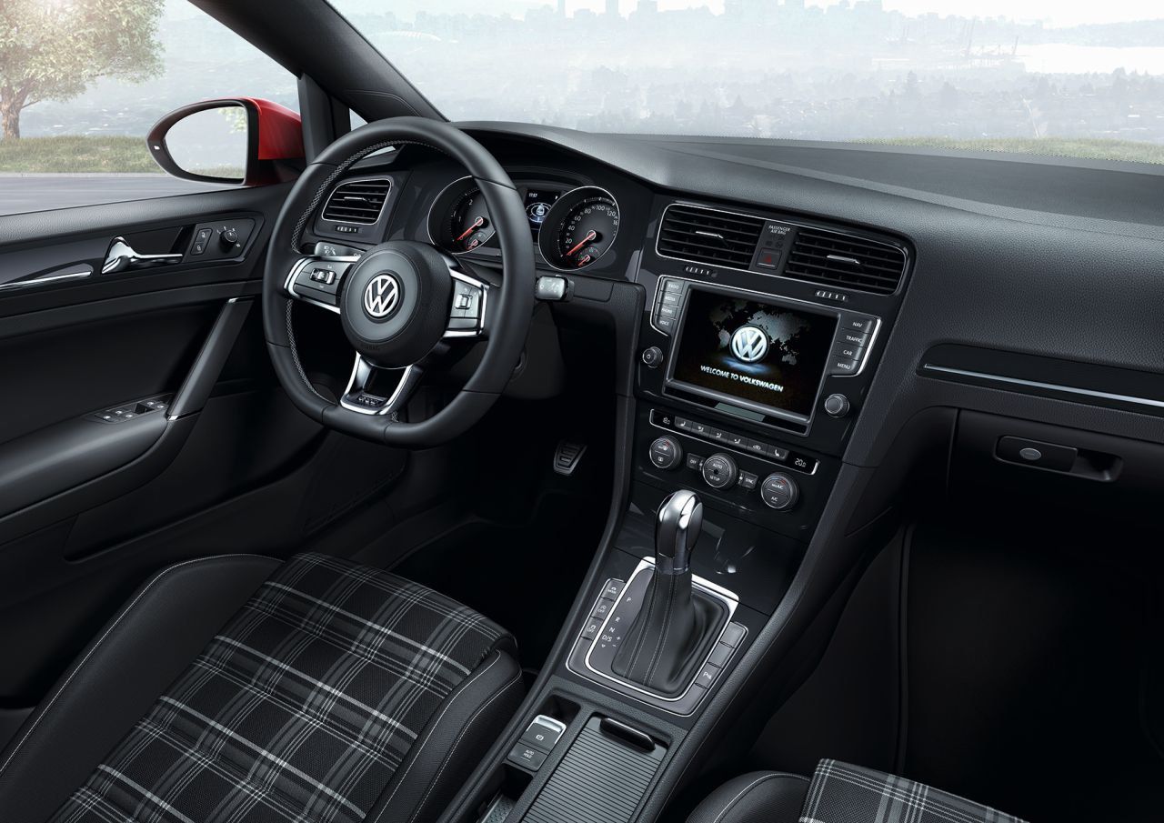 Interieur volkswagen golf 7 gtd 2013 carblogger for Interieur golf 7