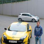 Giedo van der Garde bij zijn Renault Mégane RS en Renault ZOE