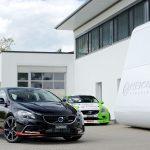 Heico Volvo V40 Pirelli met de V40 D5 racer. De door Heico getunede D5 race-auto levert 300 pk en 600 Nm.