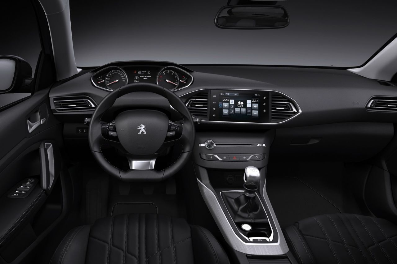 interieur nieuwe peugeot 308 2013 carblogger. Black Bedroom Furniture Sets. Home Design Ideas