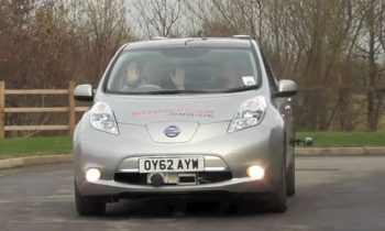 Autonome auto in Engeland (Nissan Leaf)