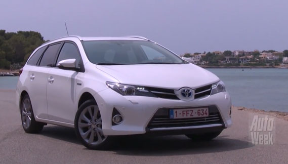 test toyota auris touring sports hybrid carblogger. Black Bedroom Furniture Sets. Home Design Ideas