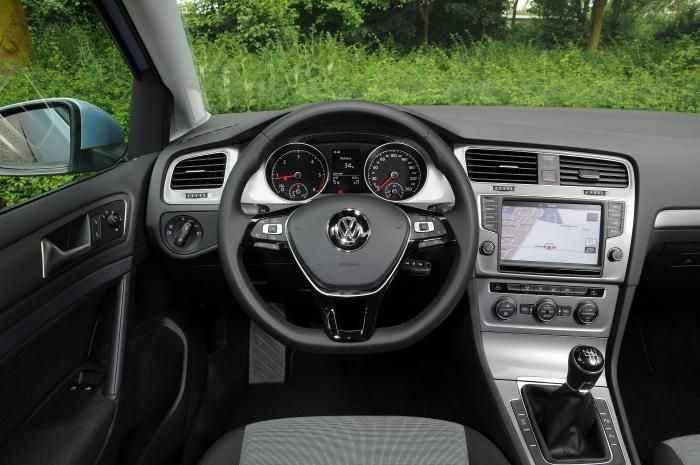 interieur vw golf 7 tdi bluemotion 2013 carblogger. Black Bedroom Furniture Sets. Home Design Ideas