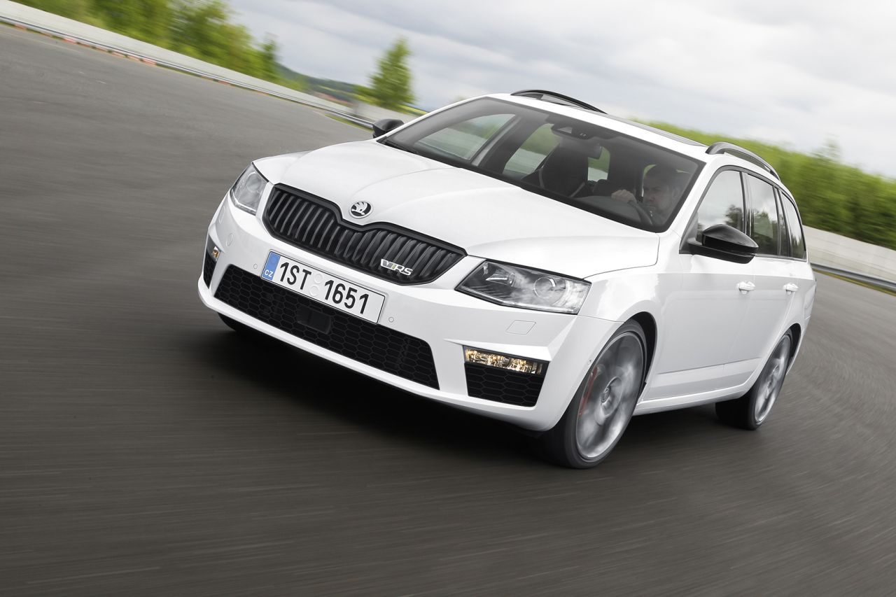 skoda octavia iii rs zo snel is ie carblogger. Black Bedroom Furniture Sets. Home Design Ideas