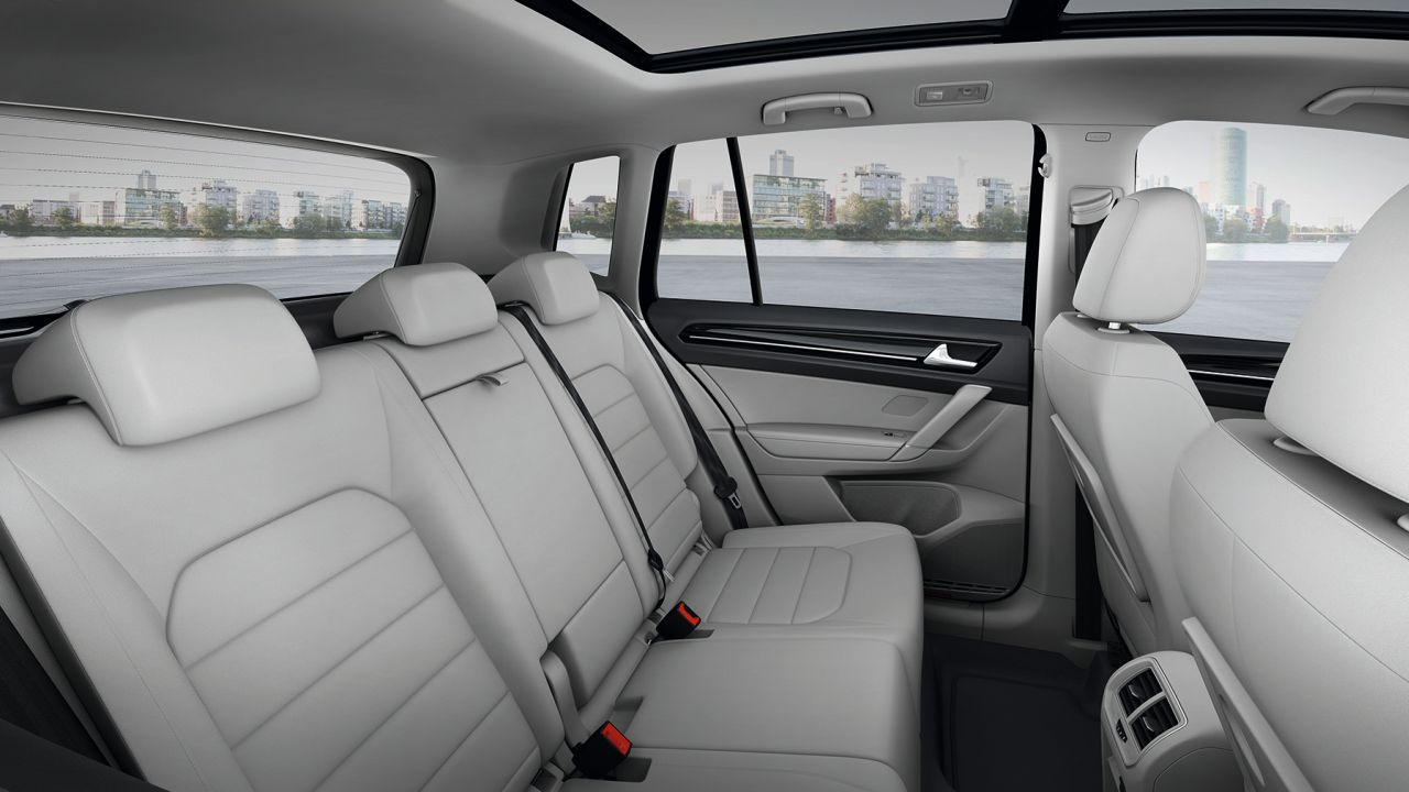 Interieur volkswagen golf sportsvaninterieur volkswagen for Interieur golf