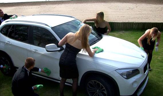 Auto wassen zonder water: hoe werkt dat?