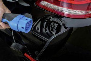 Stekker Mercedes C350e plug-in hybrid