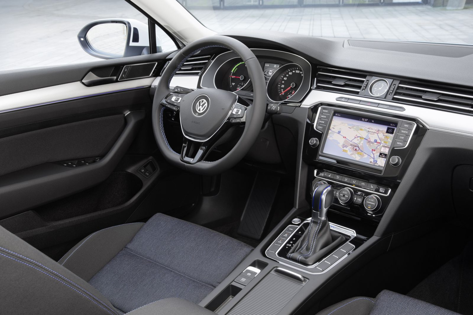 Alles over de Volkswagen Passat GTE | CARBLOGGER