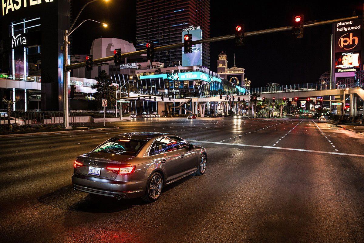 Audi A4 met Time-to-green bij stoplicht Las Vegas