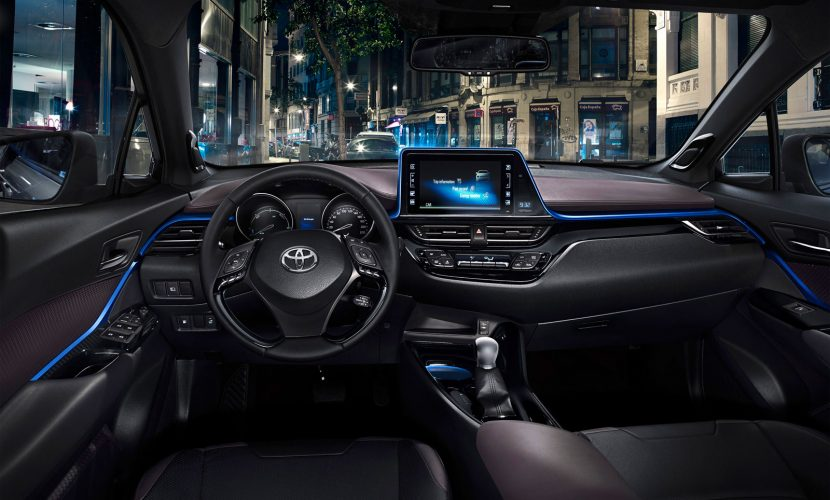 Dashboard Toyota C-HR 2016