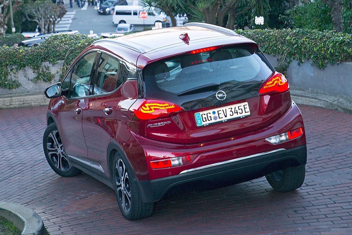 Achterkant Opel Ampera-E 2017