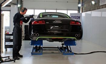 Audi R8 poetsen
