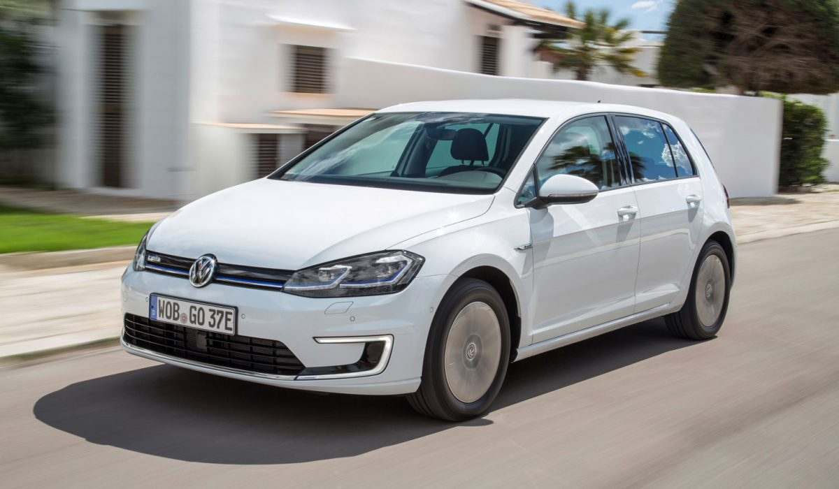 Review Volkswagen -e-Golf 2017