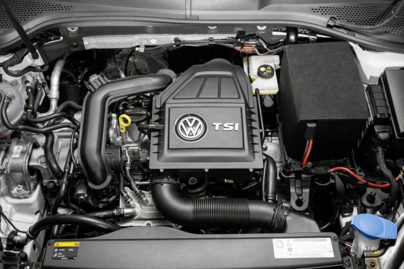 De 1.0 TSI-motor laat wat motorruimte over