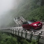 Range Rover Sport op Tianmen Mountain, China (13)