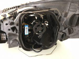 H7-LED autolamp Hilox gemonteerd in behuizing