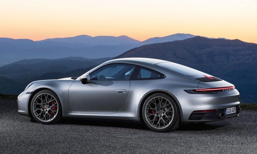 Achterkant Porsche 911 992 Carrera 4s (2018)