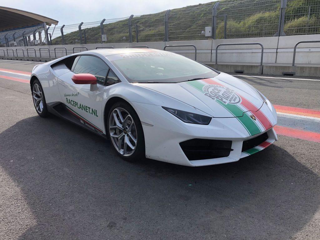 Voorzijde Lamborghini Huracan van Race Planet