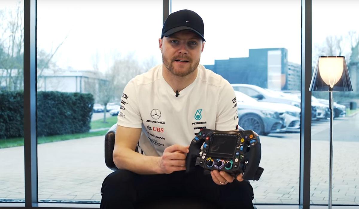 F1-coureur Valtteri Bottas legt uit wat de knopjes op zijn stuur doen