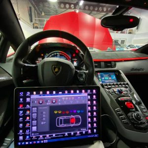 Afstellen audioprocessor in Lamborghini