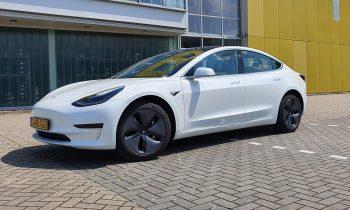 Test Tesla Model 3 SR+