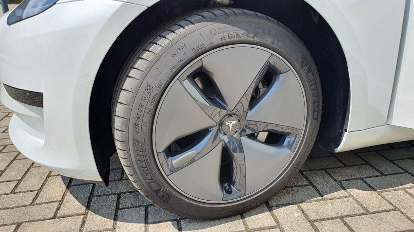 18-inch aero-wielen Tesla Model 3