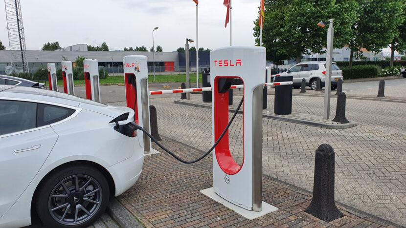 Laden bij V3 Supercharger