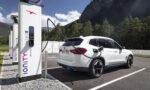 BMW iX3 bij Ionity-laadstation